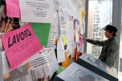 """Reddito, Movimento 5 Stelle: """"necessario rendere funzionanti centri per l'impiego"""""""