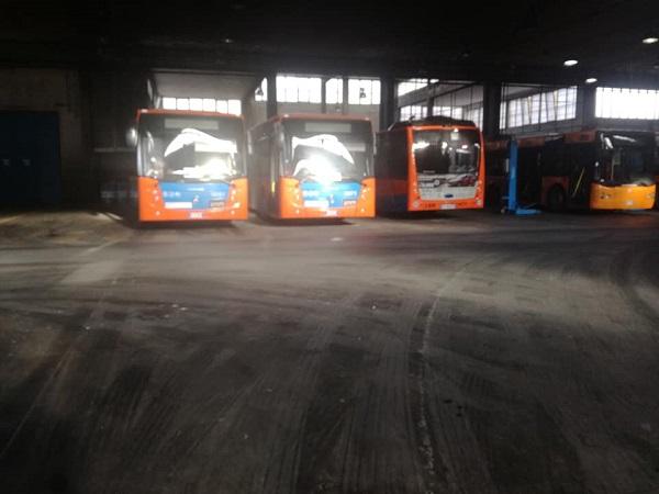"""Bus nuovi inutilizzati, l'autista Anm che denunciò: """"Nulla è cambiato in un mese"""""""