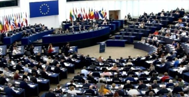 Copyright, ok alla riforma Ue che piace ai grandi editori: Pd e Fi votano sì
