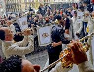 Napoli, licenziati i 5 poliziotti della penitenziaria che suonarono alle nozze di Tony Colombo