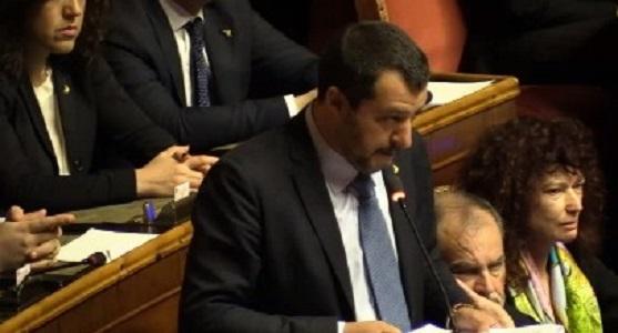 Caso Diciotti, il Senato salva Salvini. Nel M5S tre dissidenti