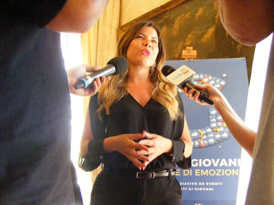 Napoli,  staffista licenziata: l'assessore Clemente diffida, il Desk non si farà condizionare