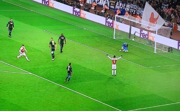 Brutto ko con l'Arsenal, al Napoli ora serve l'impresa