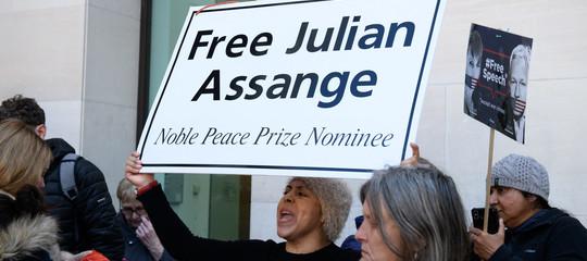 Caso Assange: la sinistra europea contro l'arresto, quella italiana con i poteri forti