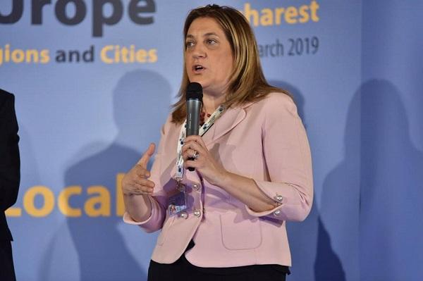 Umbria, il Pd fa il gioco dell'oca: la governatrice Marini si dimette ancora