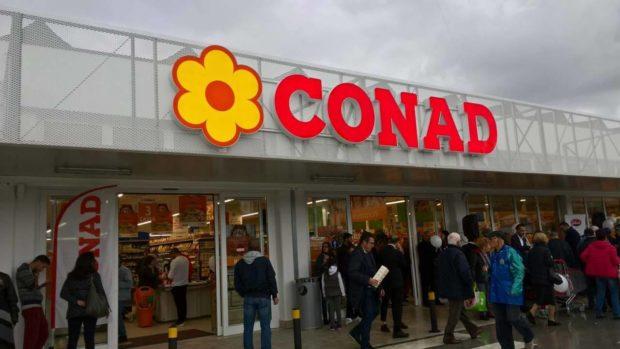 Conad acquisisce 1600 punti vendita di Auchan, diventa leader e scalza la Coop