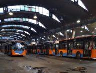 Napoli, bus nuovi e già fermi: l'Anm li rimette in servizio dopo denunce