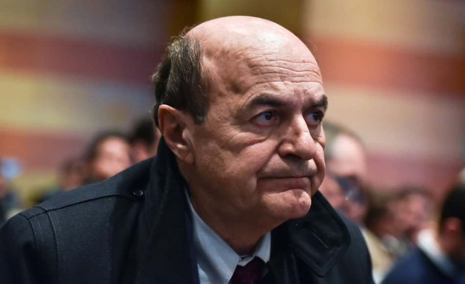 """Bersani: """"il nostro avversario è la destra, dialogare con i Cinque Stelle"""