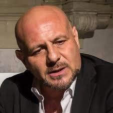 """Salerno: Claudio Lardo e """"Il baraccone dell'amore"""""""