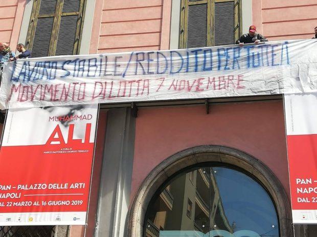 Napoli, i disoccupati occupano Palazzo delle Arti