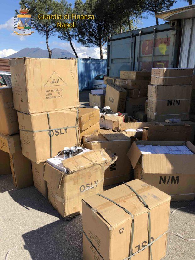 Guardia di Finanza sequestra due opifici abusivi a Casoria e Acerra