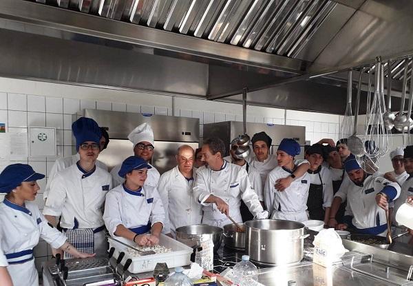 Istituto Ferraioli, la scuola programma la ripartenza