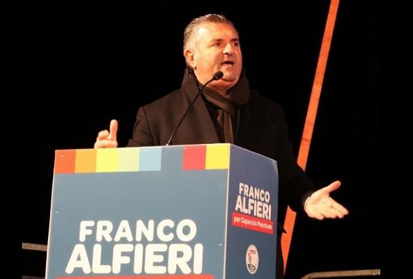 Voto di scambio politico mafioso, indagati Alfieri e il sindaco Pd di Agropoli