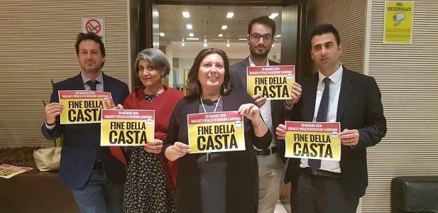 """Regione Campania, è legge la """"taglia vitalizi"""". Il M5S: """"Una nostra vittoria"""""""
