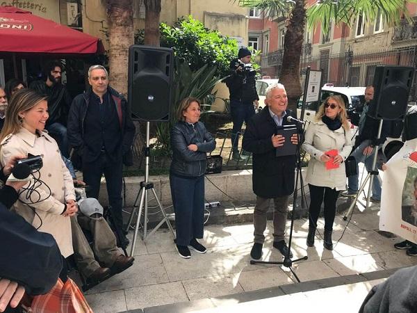 Napoli celebra Maurizio Estate, il ragazzo eroe che non volle farsi i fatti suoi