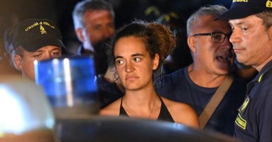 """Sea Watch, procura Agrigento: """"Ragioni umanitarie non giustificano atti di violenza"""""""