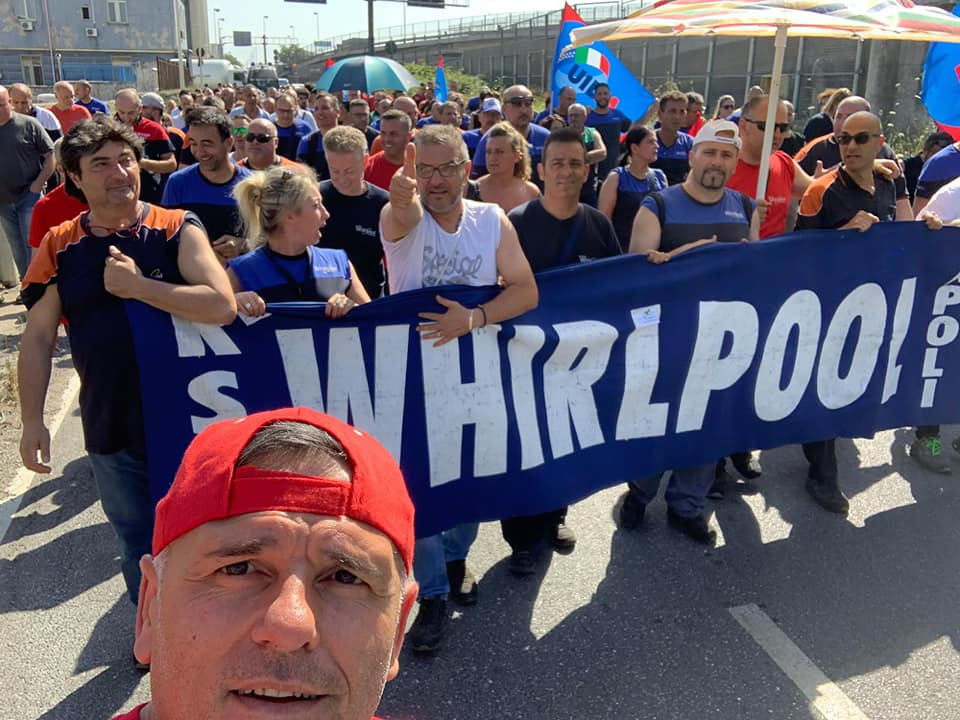 Whirlpool: operai bloccano tratto autostrada Napoli-Salerno