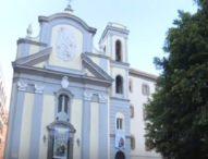 Napoli, altri due crolli di calcinacci: ragazza ferita