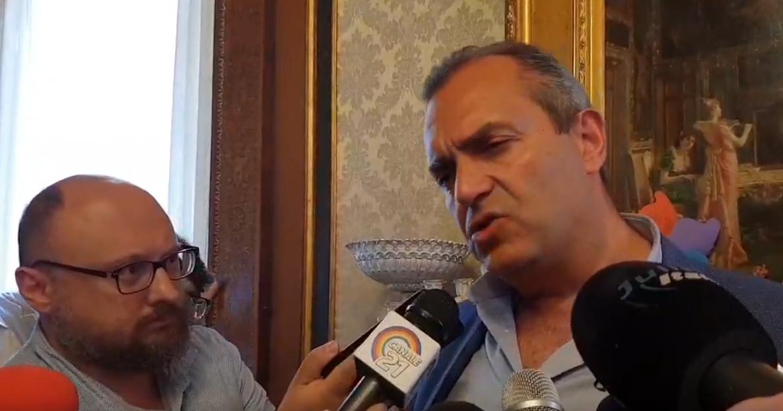 Napoli, il Tar boccia la delibera di de Magistris sui tavolini in più per i ristoranti
