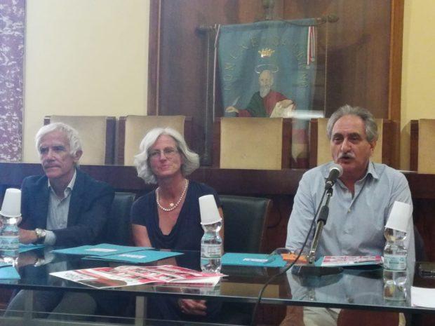 Dieci appuntamenti con la comicità al Teatro Nuovo di Salerno