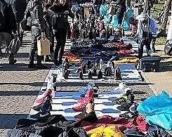 Contraffazione: Blitz dei vigili urbani sul Lungomare di Salerno