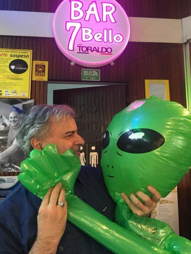 Napoli, auguri Bar 7 Bello!
