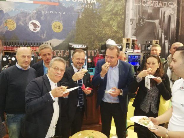 """Napoli, de Magistris attacca l'opposizione: """"E' contro gli interessi della Città"""""""