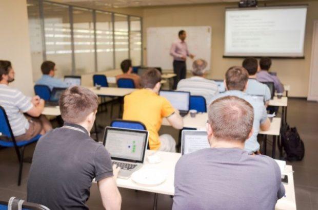 Il business della formazione professionale  sulla pelle dei disoccupati