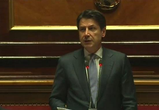 Russia-Lega, Salvini tace perfino con Conte: e in Senato il M5S esce fuori