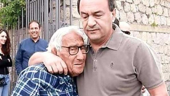 Mimmo Lucano non può vedere il padre morente, appello al presidente Mattarella
