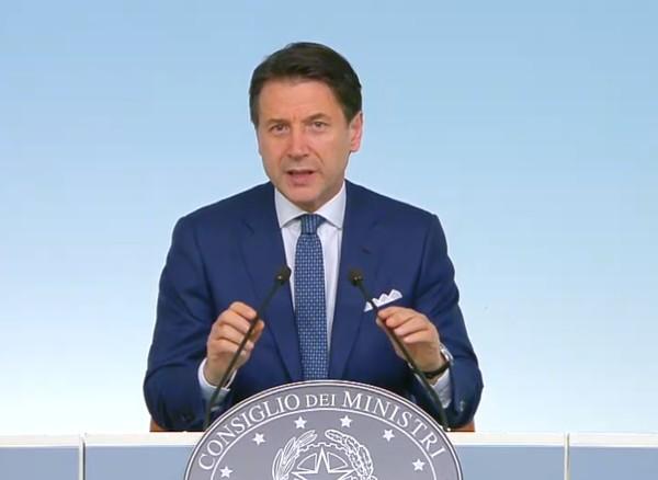 """Crisi governo, Conte smaschera Salvini: """"Vuole il voto per capitalizzare il consenso"""""""
