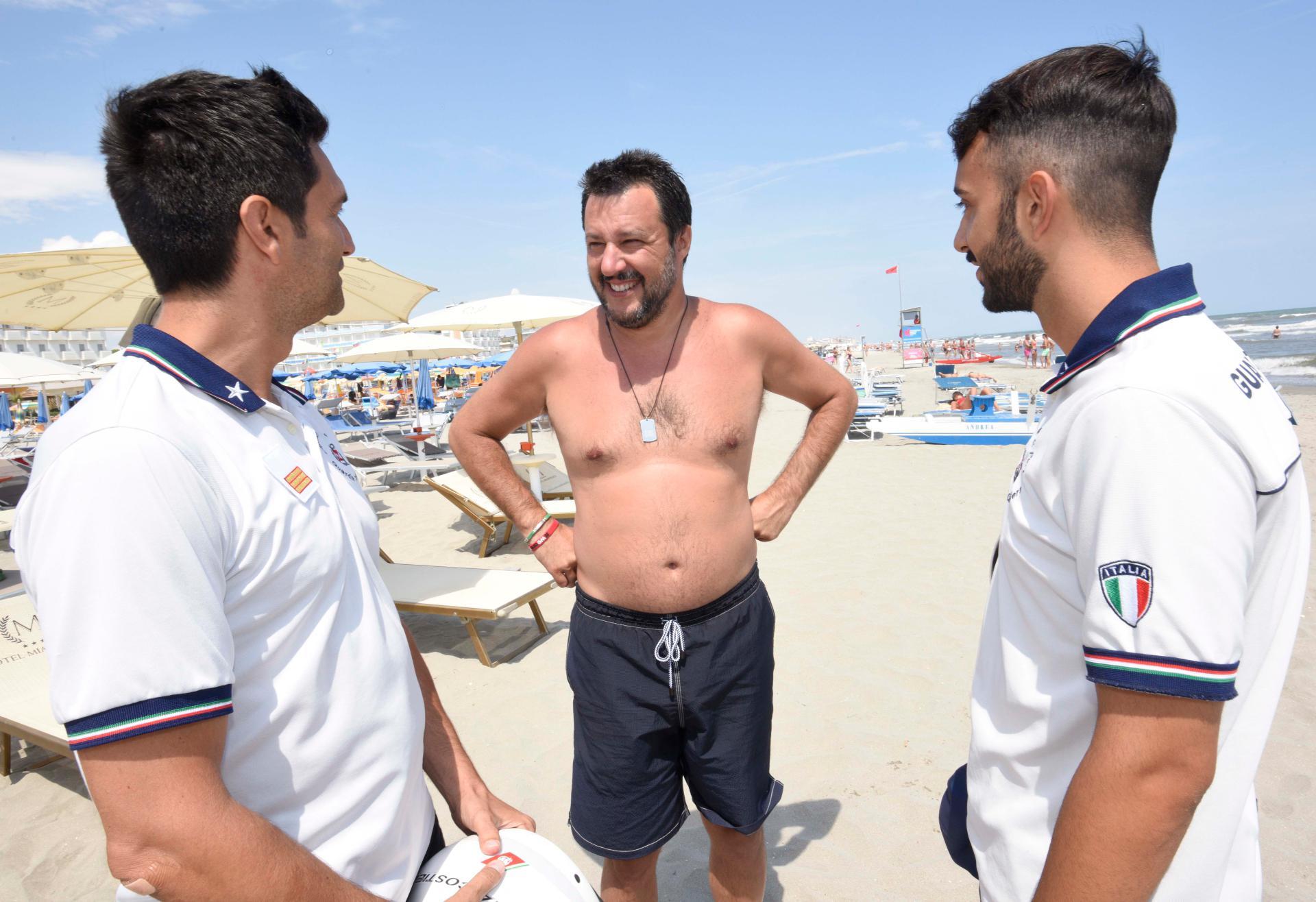 Gli italiani non vogliono la crisi,  Salvini perde punti