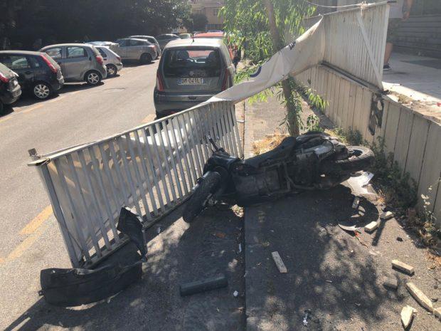 Napoli, Fuorigrotta: seminava panico alla guida auto sotto effetto droga: bloccato