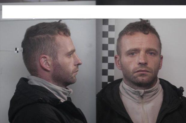 Napoli, evade da Poggioreale detenuto accusato di omicidio