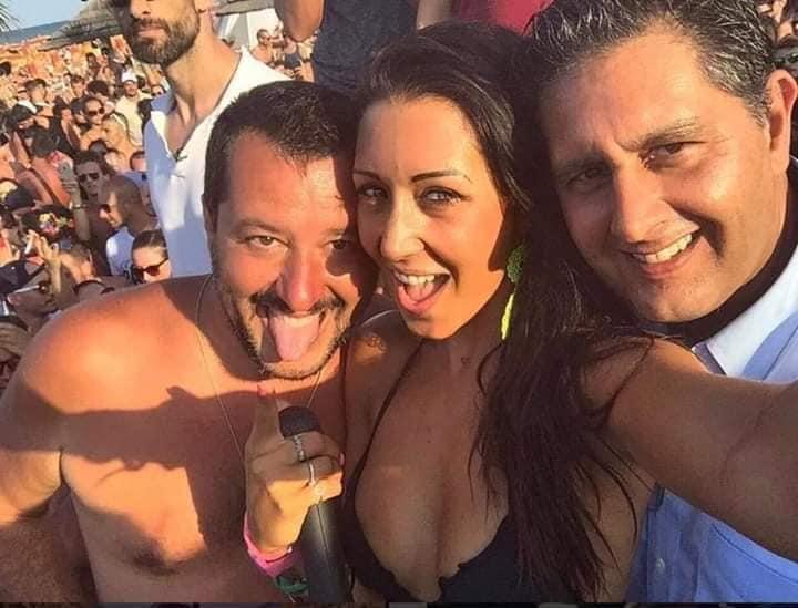 """Ondata di contestazioni a Salvini: """"Traditore hai liquidato il governo per tuoi interessi"""""""