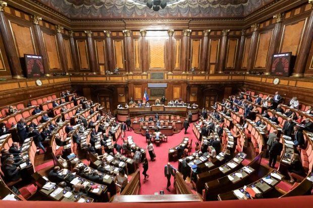 Ok dal Senato, è legge il decreto sicurezza bis: cinque i dissidenti nel M5S