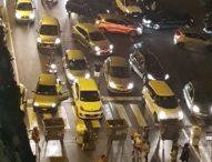 """Napoli, blocco stradale dei cittadini di Fuorigrotta: """"Da ore senza acqua"""""""