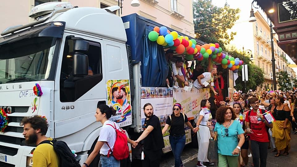 Sorrento, 2 mila al Gay Pride per la difesa dei diritti
