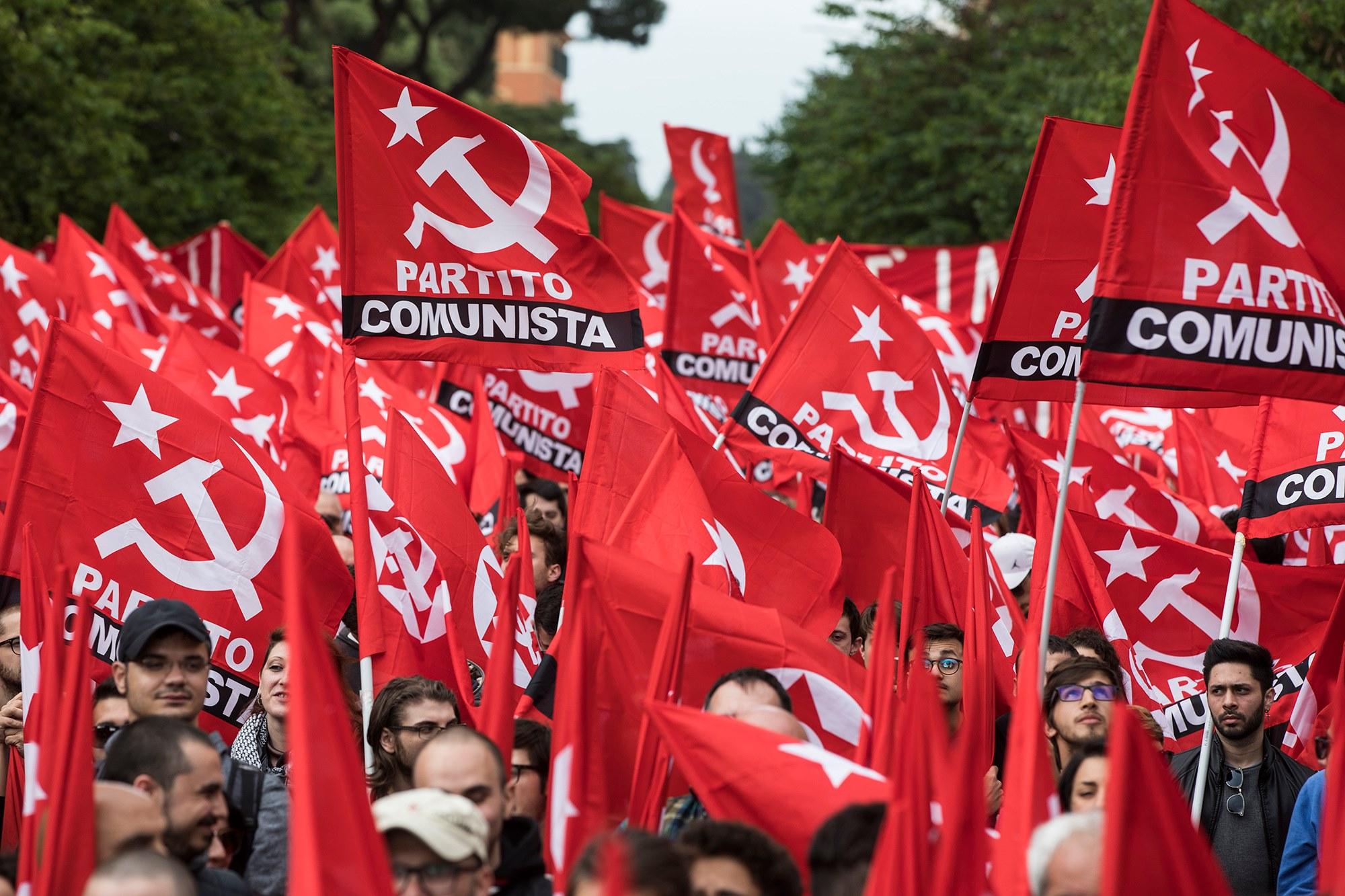 """Partito comunista: """"Il 5 ottobre in piazza contro il governo Conte-Renzi servo delle banche"""""""