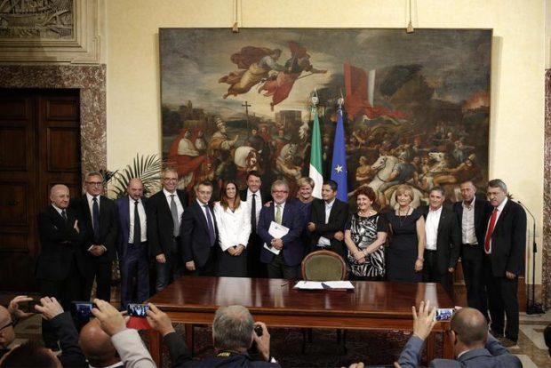 Whirlpool, Renzi concesse 31 milioni alla multinazionale e scrisse:'missione compiuta'