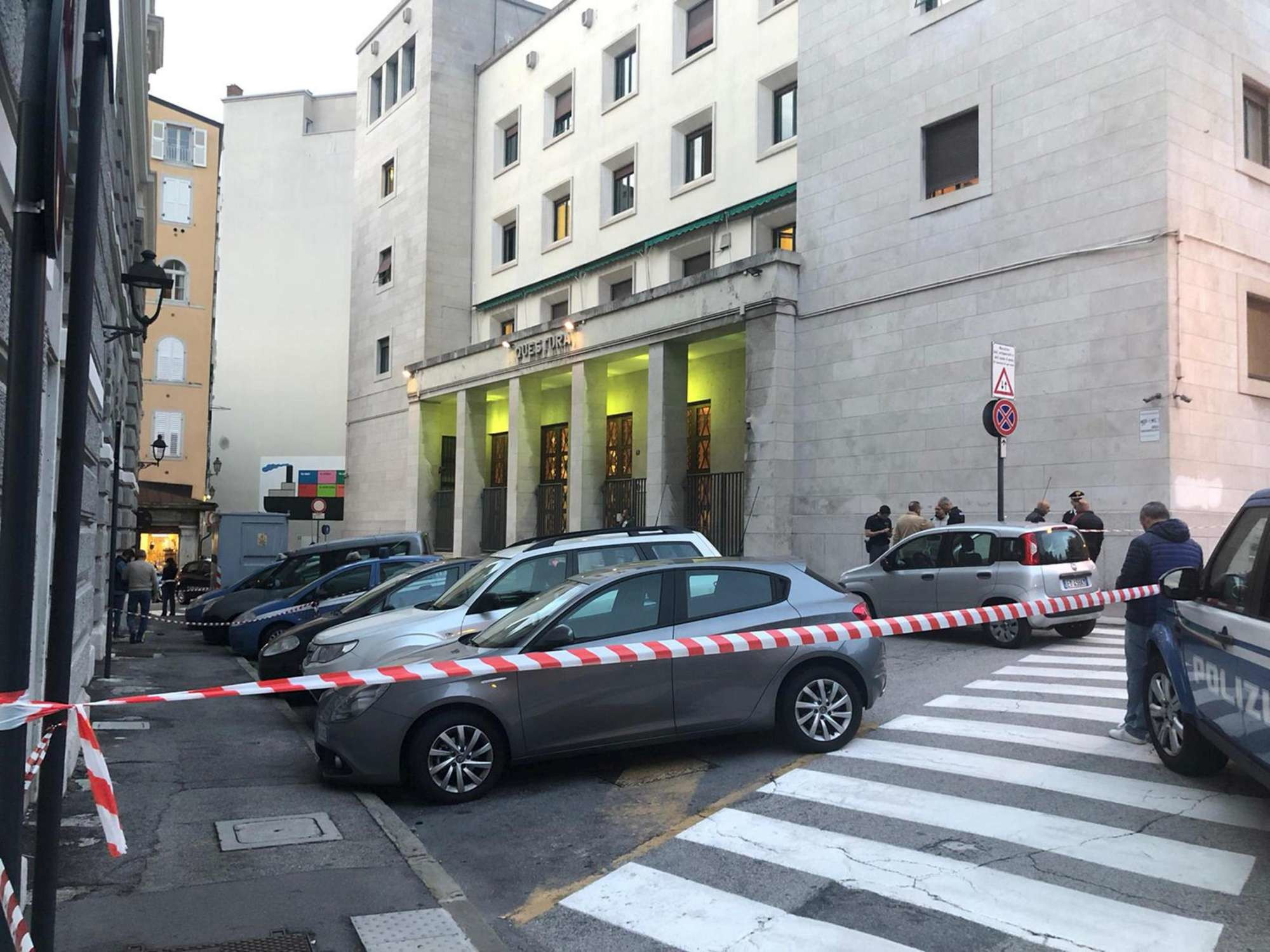 Trieste, sparatoria in Questura: uccisi due poliziotti