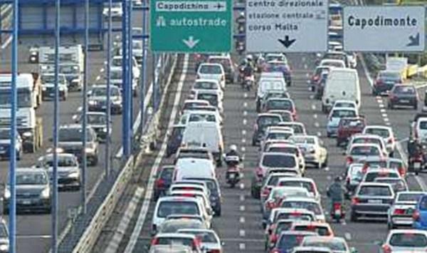Tangenziale di Napoli: il ministro dei trasporti sospende pedaggio