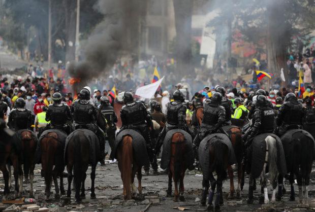 Ecuador, rivolta popolare costringe governo a ritirare decreto