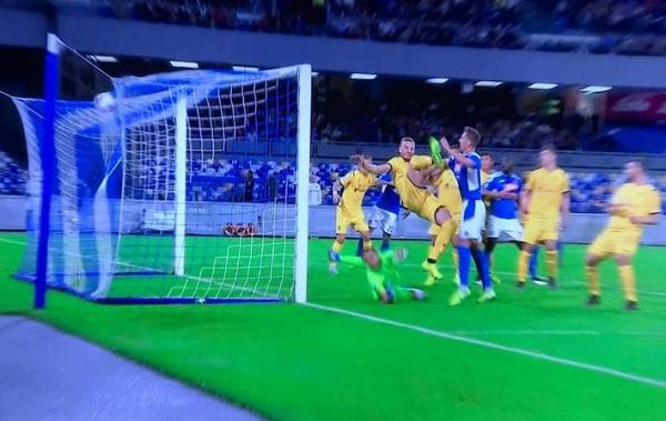 Milik e Meret stendono il Verona, il Napoli ritrova i 3 punti