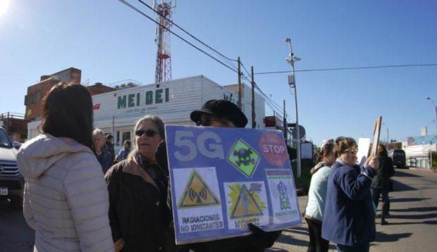 Il sindaco di Montecorvino Pugliano  blocca installazione antenne 5G