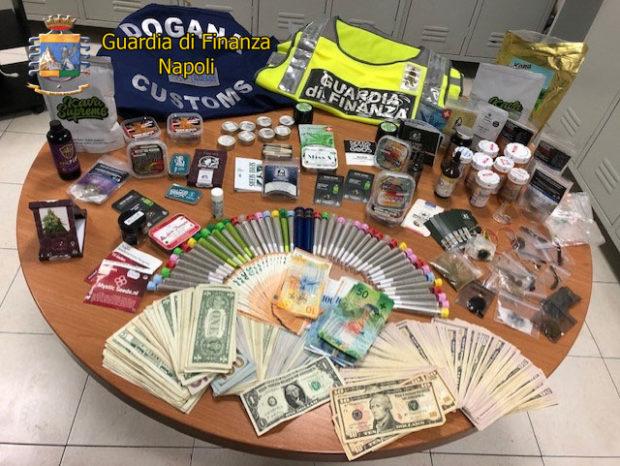 Napoli, Capodichino: I finanzieri arrestano un corriere della droga