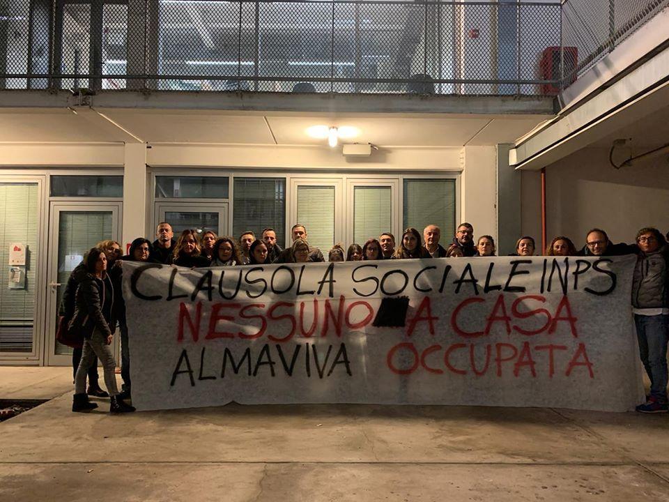 Roma,  tutti assunti i lavoratori Almaviva: la lotta paga sempre
