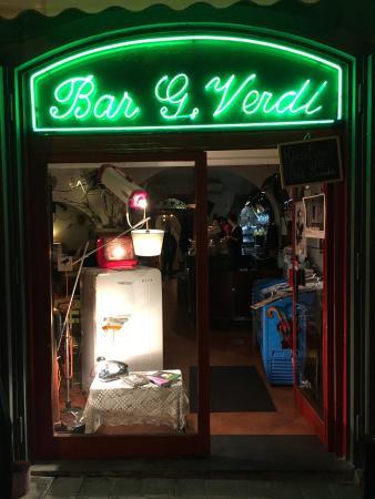 Apre la biblioteca per bambini al Bar Verdi di Salerno