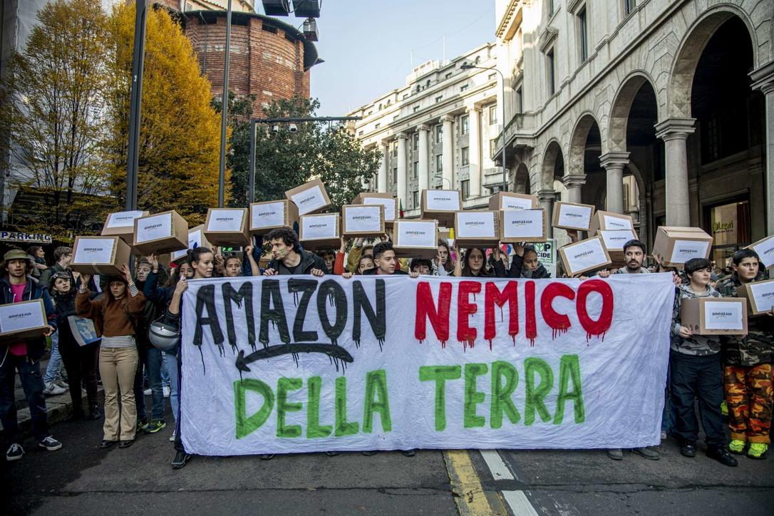 Friday For Future, 350 mila ragazzi in piazza per il clima