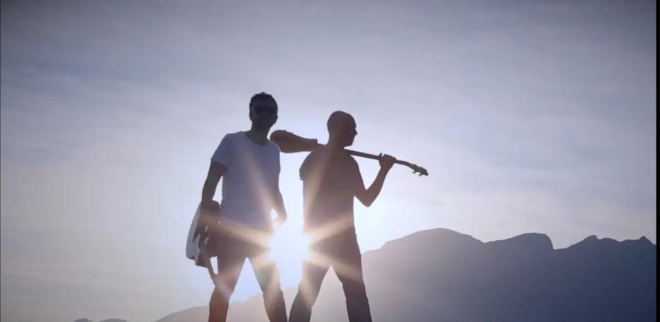 """""""La pagella"""": il brano di due agenti di polizia sul dramma dei migranti"""